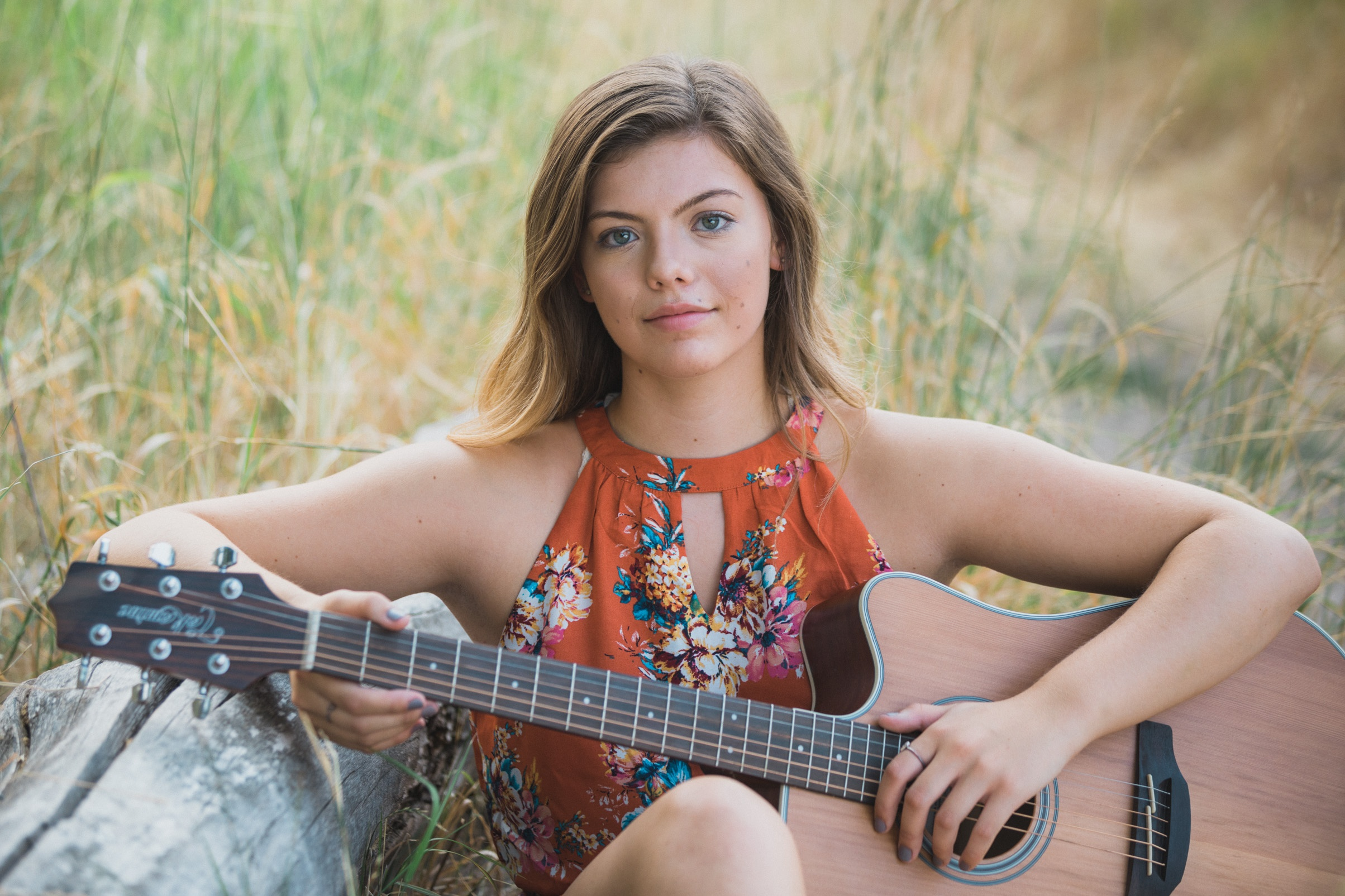 high school girl with guitar senior photo