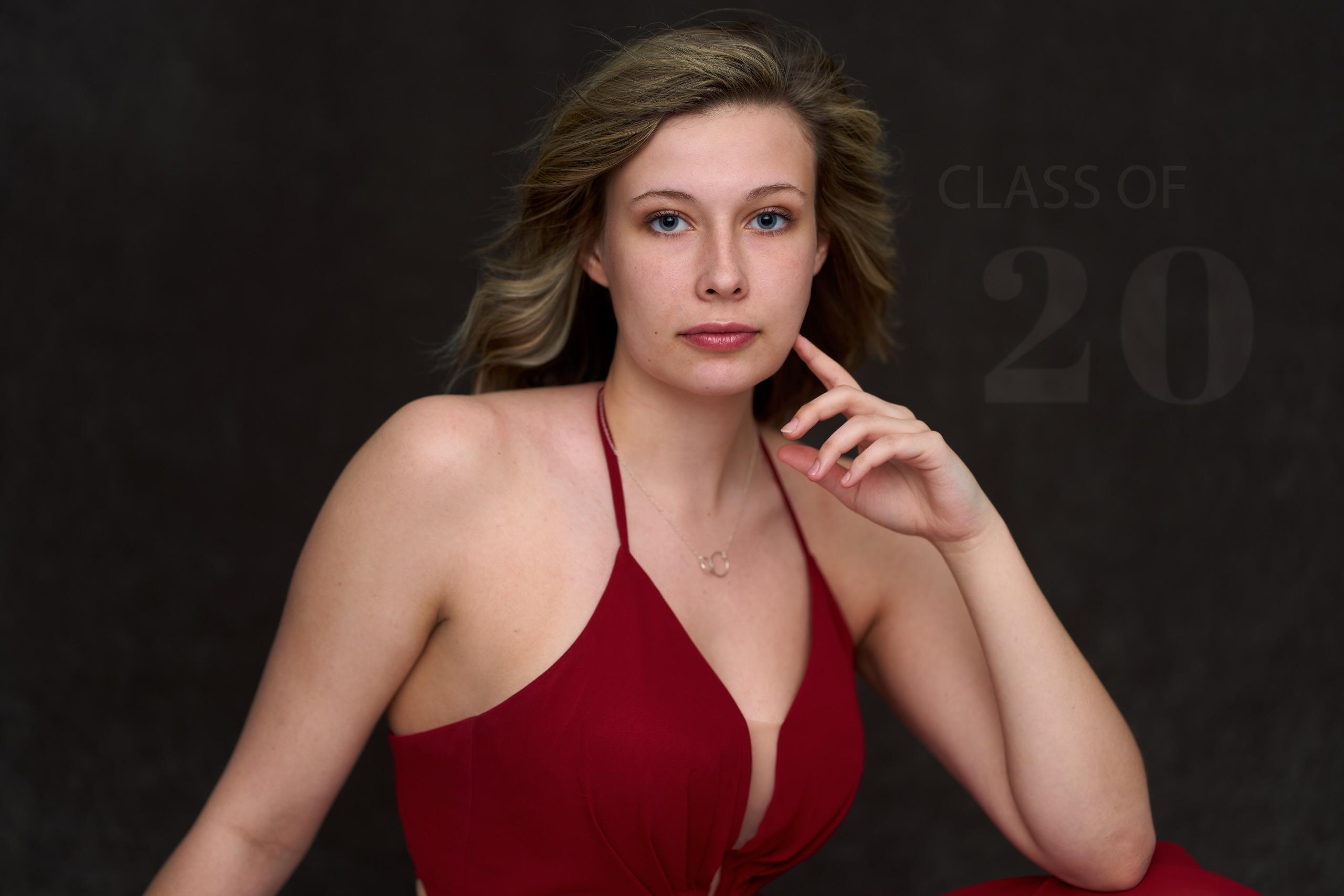 Girl senior photo in Studio