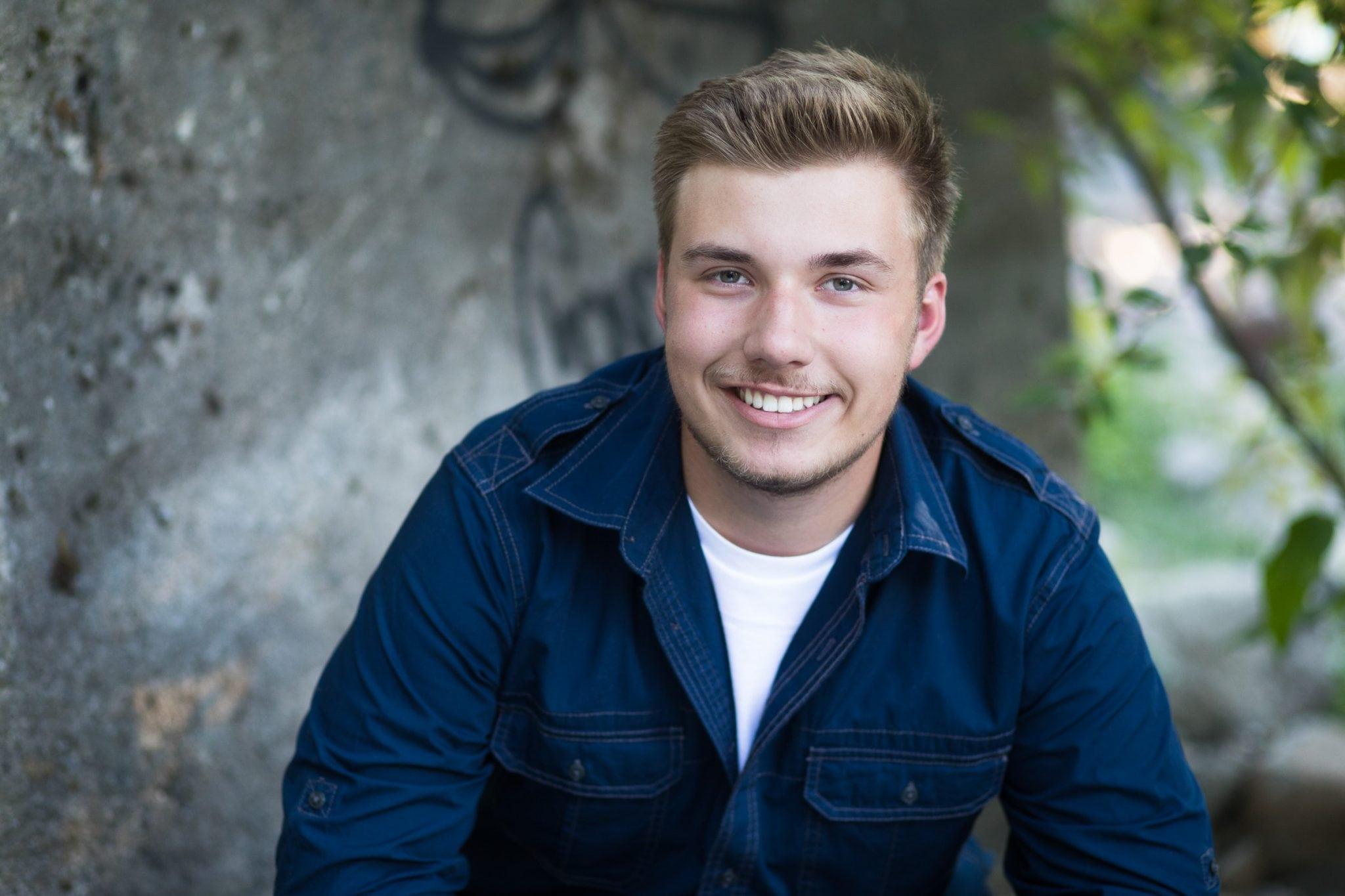 Spokane senior portrait photographer