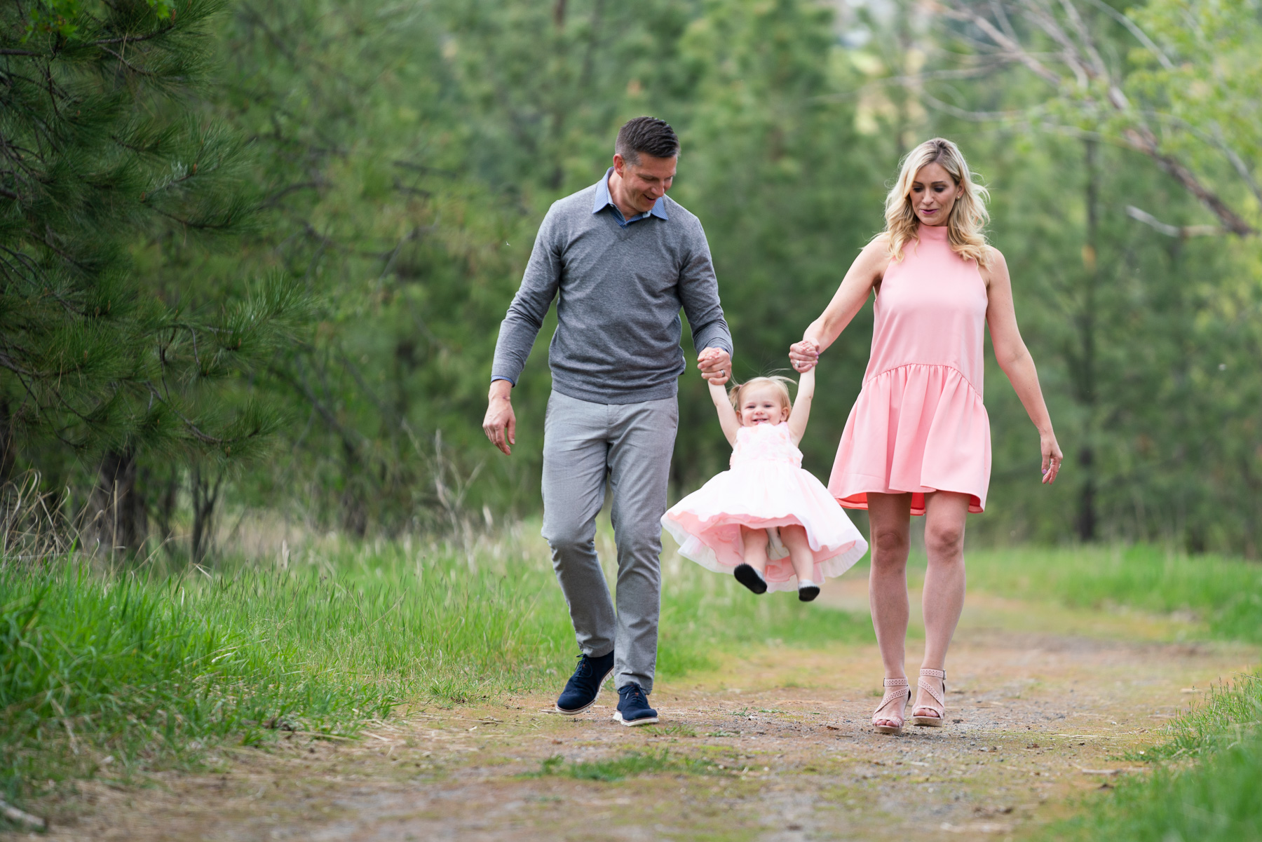 fun outdoor family photos