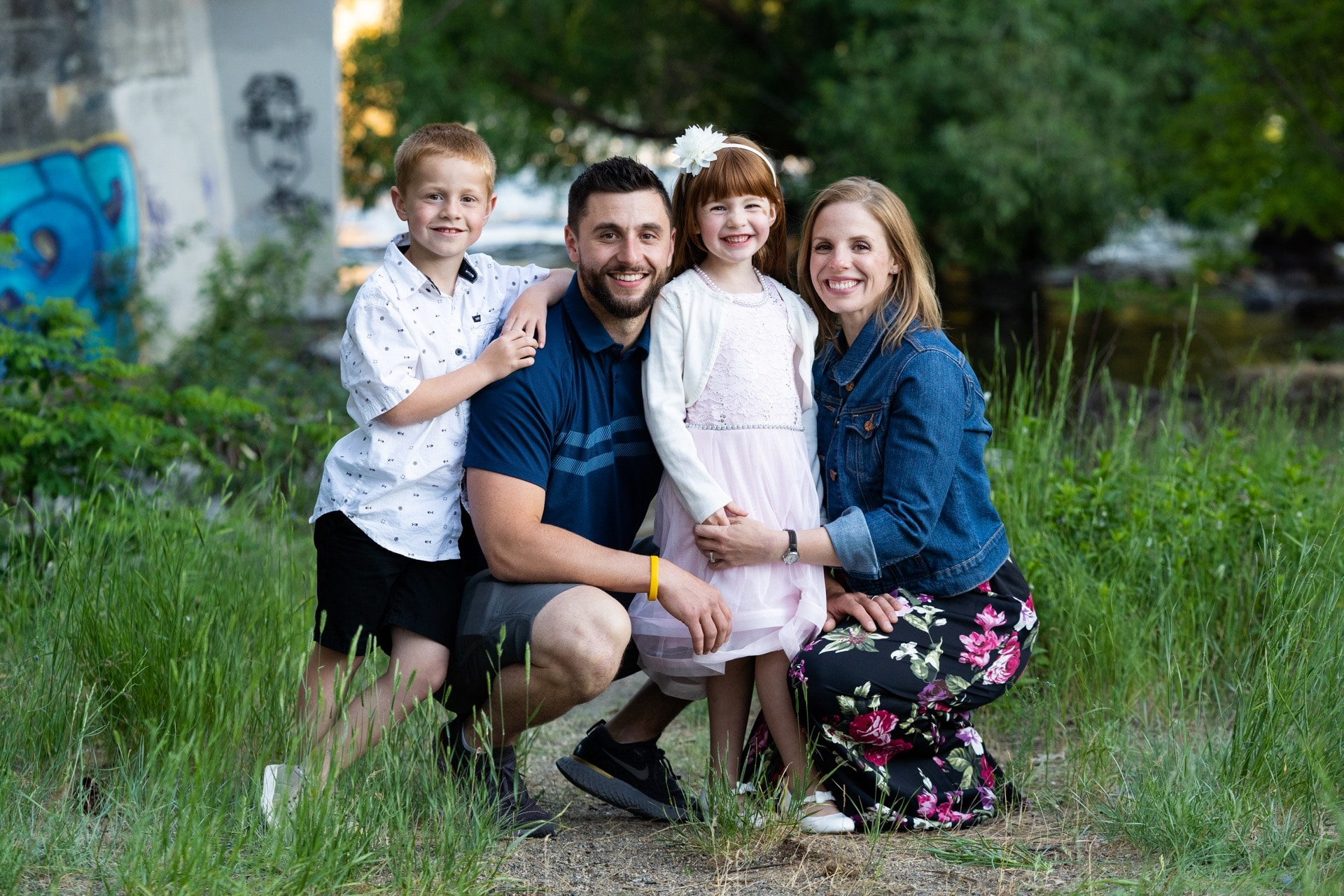 professional family photo photographer in Spokane, WA